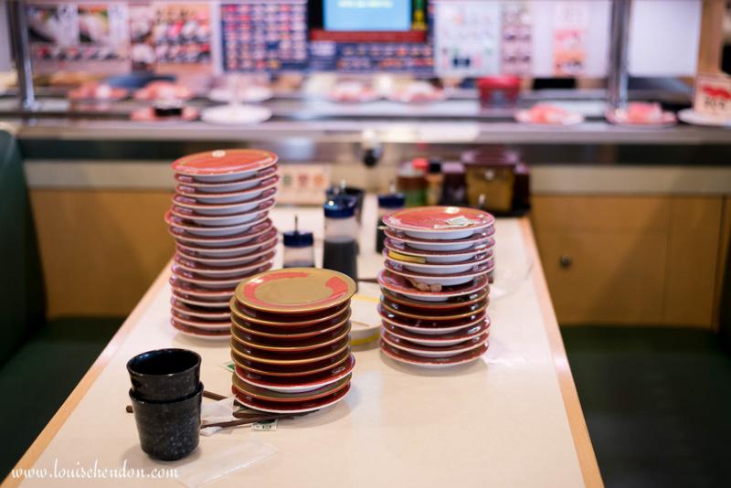 hamazushi cheap sushi restaurant chatan Yomitan-son okinawa japan