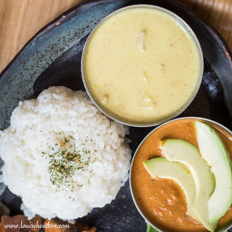 Avocado curry and mild chicken curry of Dechibica (Japanese Curry) Restaurant in Okinawa, Japan