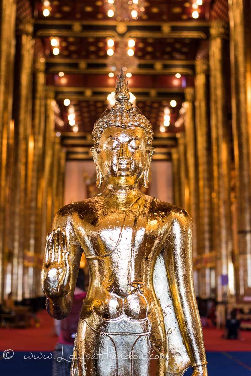Wat Chedi Luang Worawihan Buddhist Temple in Chiang Mai, Thailand