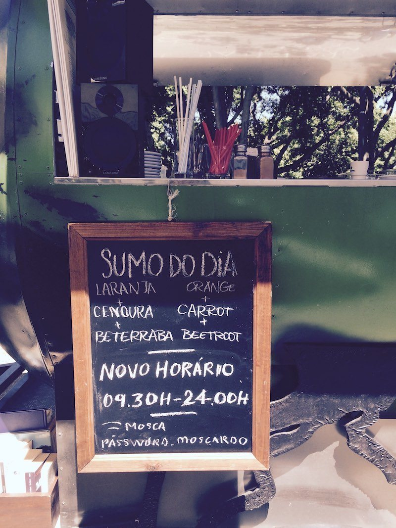 cafe in park Campo Mártires da Pátria